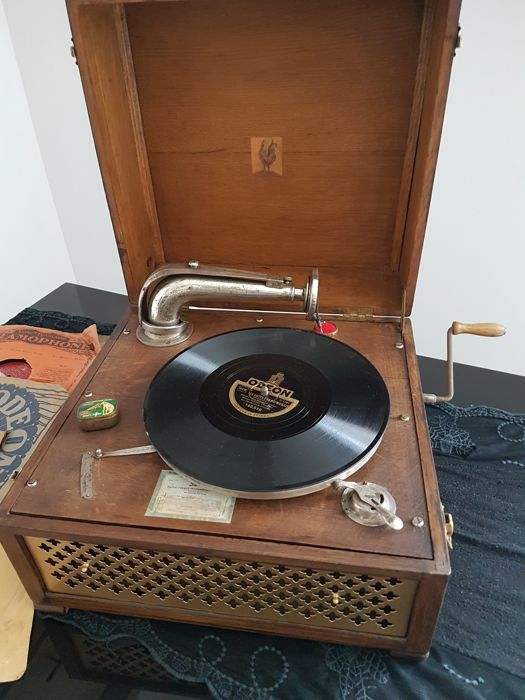 Old and very rare gramophone phonograph Pathé a Chanteclair