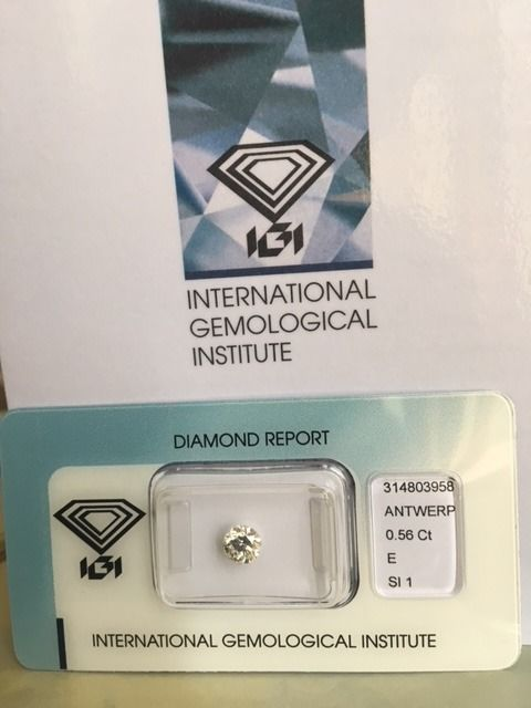 1 pcs Diamant - 0.56 ct - Brillant - E - SI1