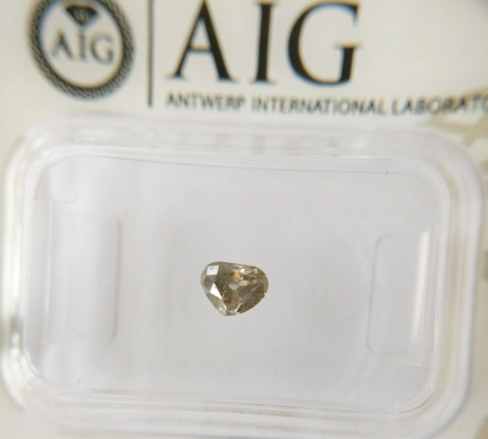 0.27 ct Cleafless Heart cut diamond Fancy Light Grayish Brown I1 *** No Reserve ***