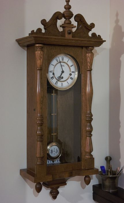 Wuba Westminster pendulum clock - precious wood (perhaps oak) - mid-20th century Conditions: as good as new