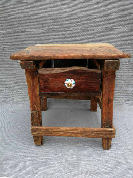 """Kitchen table, the so-called """"tocineras"""", first half of the 20th century"""