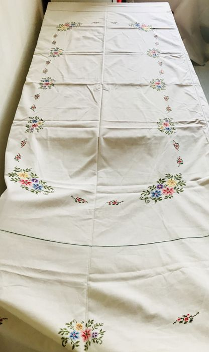 Very old tablecloth with handmade cross-stitch embroidered roses + 12 serviettes