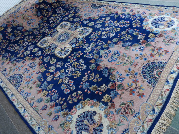 Anatolian Usak Rug Beautiful 215 x 305 cm