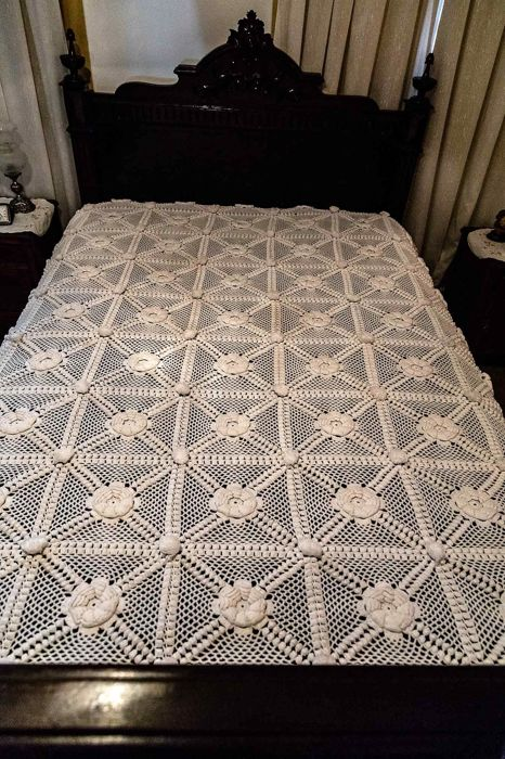 King size white cotton crocheted tablecloth or quilt