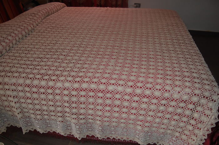 Double filet bedspread , second half of the 20th century