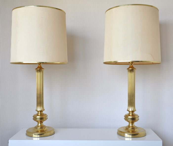 Producer unknown - gold colouored high brass table lamps with fabric hood (H 86.5 cm)