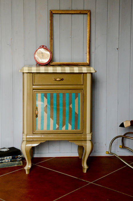 1950s bedside table - reproduction by Thomas Chippendale