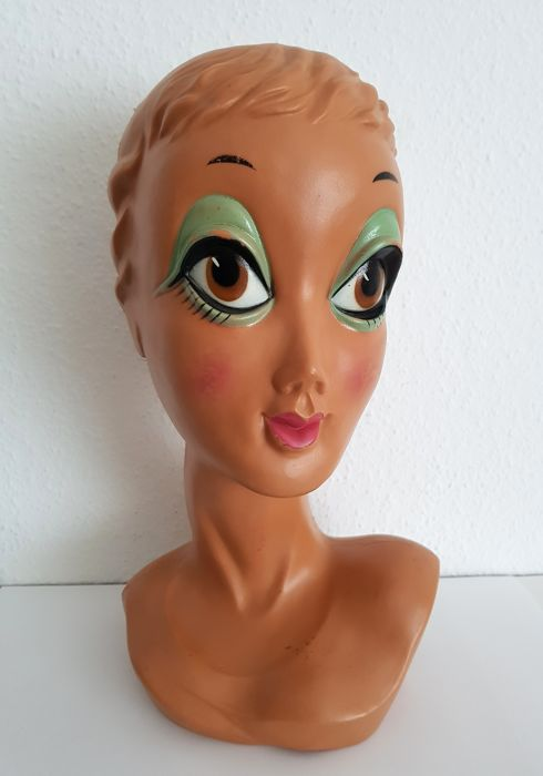 Twiggy Head - Hat Stand 70s