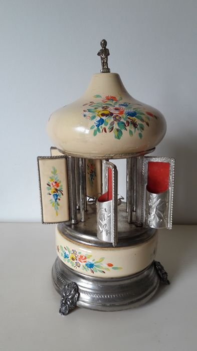 A vintage Reuge music box lipstick- or cigarette-holder - 2nd half of the 20th century
