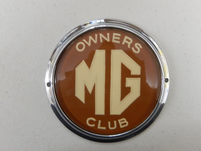 Vintage Automotif MG Owners Club Dark Red Version Car Badge Auto Emblem