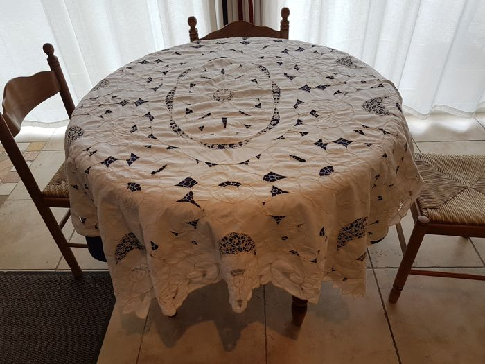 Old rectangular tablecloths crafted Richelieu