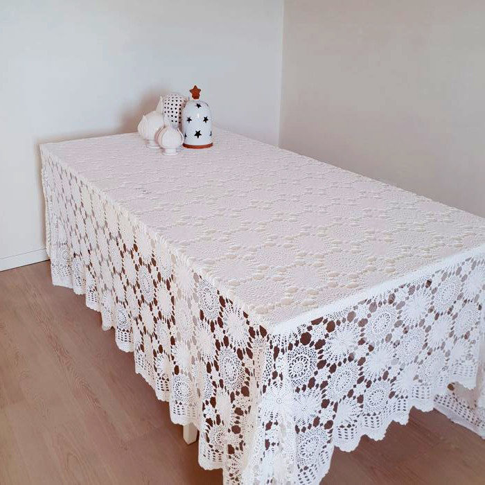 Sicily - crochet tablecloth or bedspread entirely handmade - Italy - 1960s - 240 cm x 265 cm