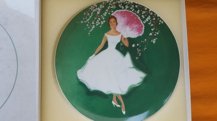 Old clean porcelain - limited - number 2193/2500 - PERSIL - theme 4 - diameter 26cm - HUTSCHENREUTHER - made in Germany - signed.