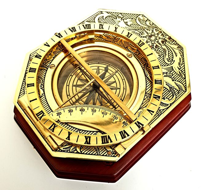 "Heavy 24 carat gold plated measuring instrument ""Universal Sundial"" - Franklin Mint"