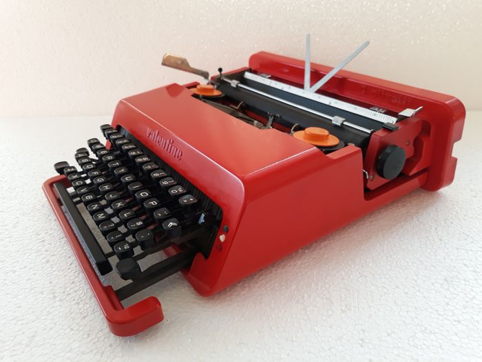Ettore Sottsass & Perry King by Olivetti - Valentine typewriter