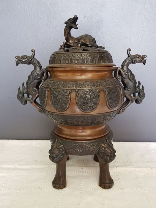 Bronze incense burner with Shi Shi - Japan - 19th century