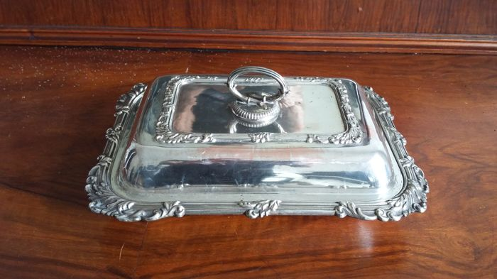 Old sheffield tureen  silver plated made in england.
