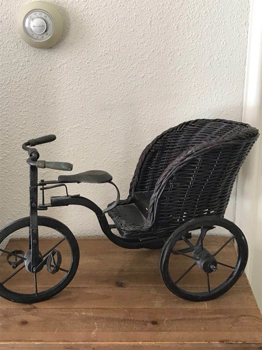 Tricycle - iron, wood, wicker - 1960s - Italy