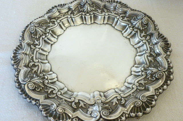 Trimmed Salver in spanisch silver 916 contrasted of 900,marked R. Fernandez-Vigo