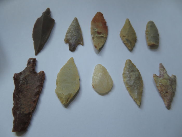 A rare lot of 10 stone spear heads  - 21 X 47 mm