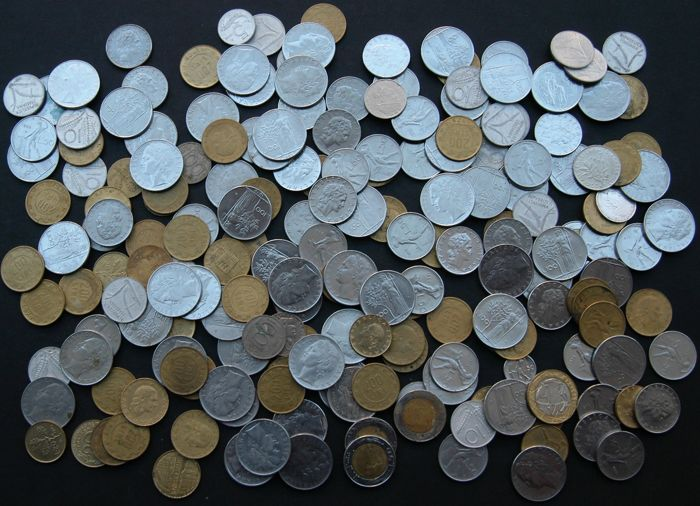 Italy - Lot various coins 20th century (200 pieces)