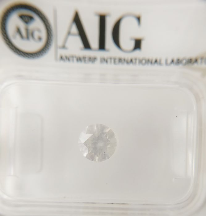0.56 ct Round cut diamond F I2 *** No Reserve ***