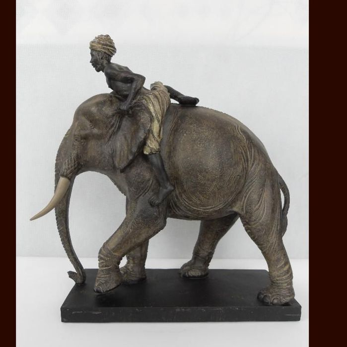 A beautiful statue of an elephant and a Hindu - 38 cm