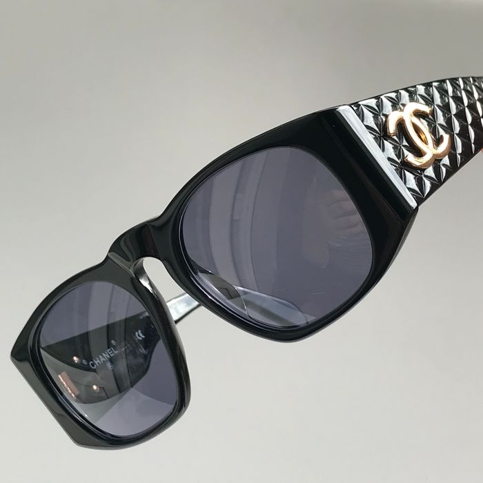 dd3ed98b4f92f Chanel - Quilted Sunglasses - Vintage - Catawiki