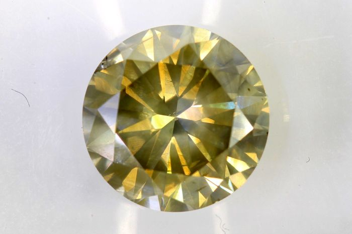 * NO RESERVE PRICE *  - AIG Antwerp Sealed Diamond - 2.06  ct - Fancy Light Yellowish Brown