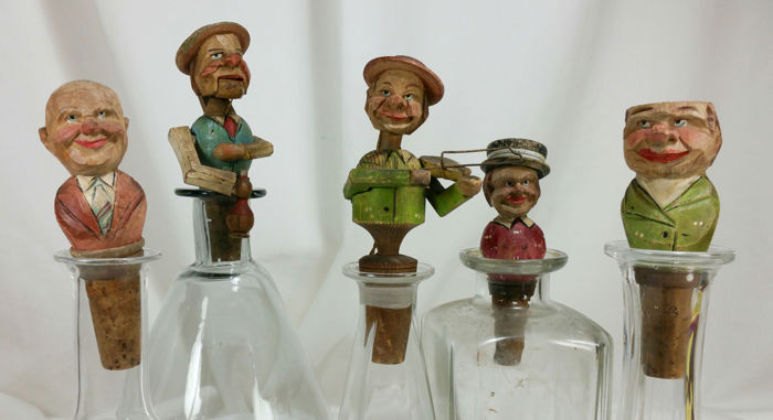 Antique mechanical animated bottle caps - hand carved wood - group with musicians - early 1900s - Northern Italy (5)