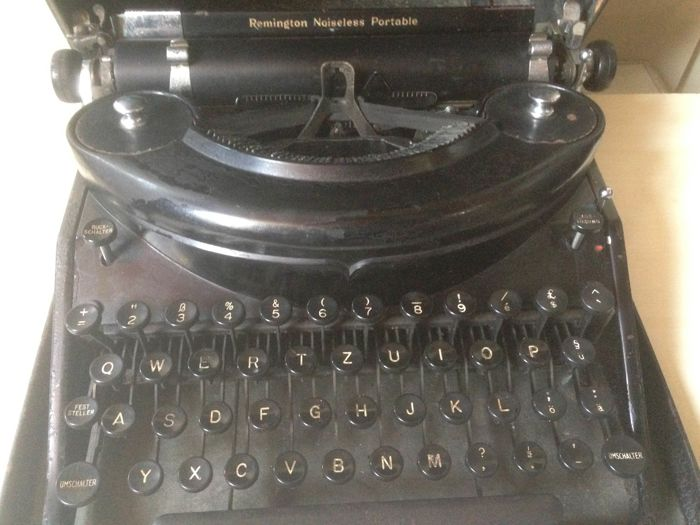Typewriter Remington model 7 from 1934