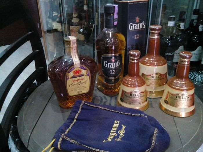 5 bottles - Crown Royal 1965 & Grant's 12 years old & 3 Bells Decanters (50cl & 2x 18,75cl)