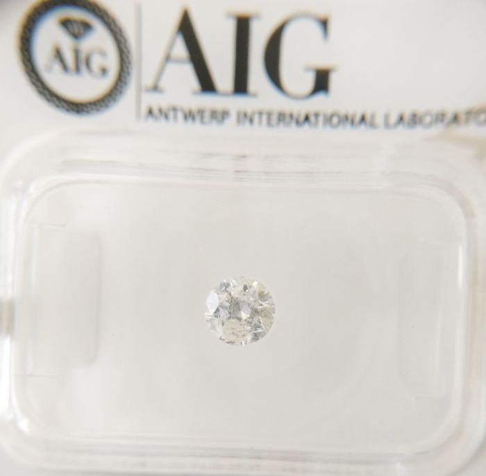 0.31 ct Round cut diamond f I2 *** No Reserve ***