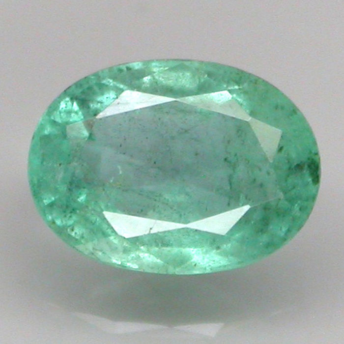 Emerald, 0.74 ct (with a low reserve price)