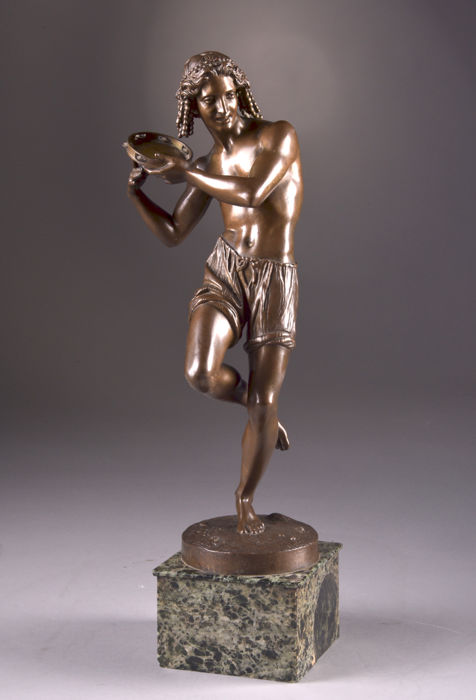 Francisque Joseph Duret (1804-1865) - Quesnel founder - a large and beautifully executed bronze statue of a Neapolitan dancer with tambourine - France - mid 19th century