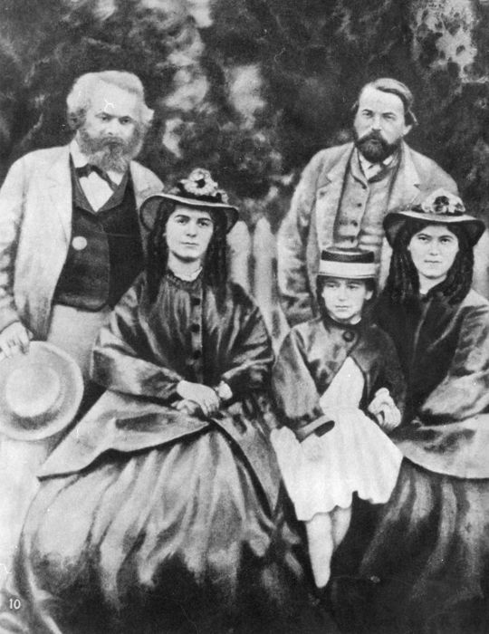 unknownulsteinbild karl marx with his daughters and