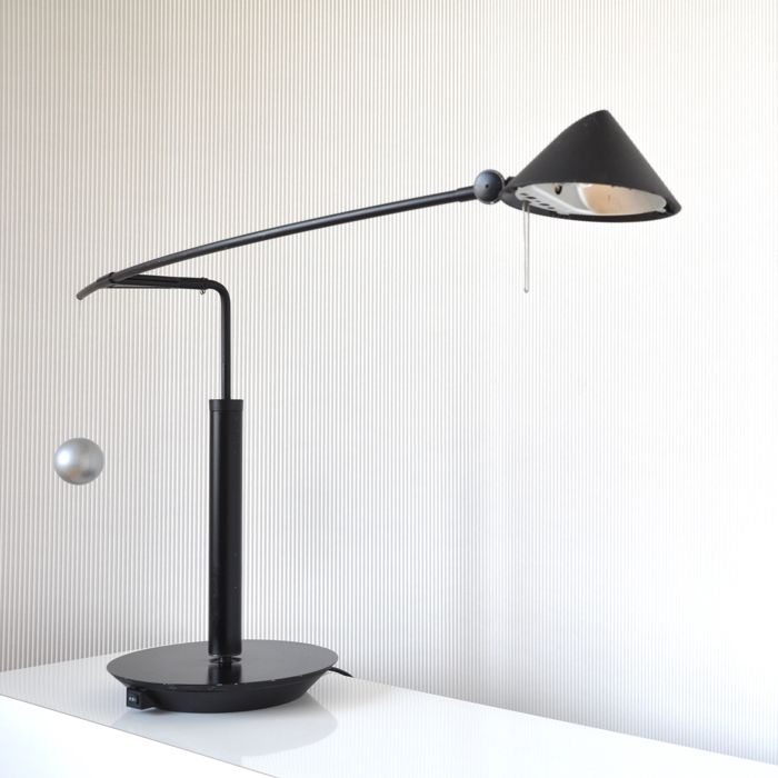 Carlo Forcolini for Artemide - table lamp - model Nestore 90 (black version, no longer in production)