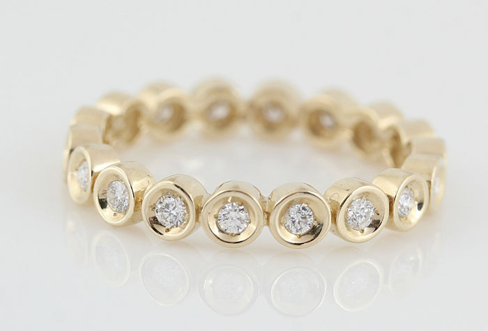 14kt. diamond eternity ring total 0.34ct / weight: 2.70gr /  (G-H) - VVS2-VS1 / ringsize: 53 /
