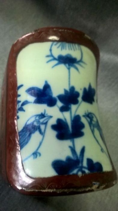 Card and lacquer jewellery box, ceramic oval top (sparrows in love) - Japan - mid 20th century