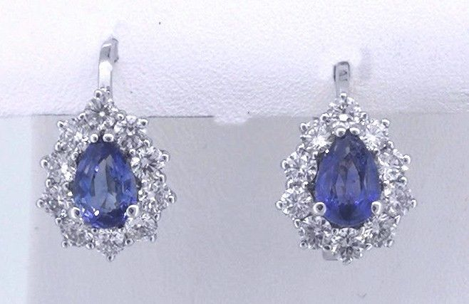 14k Gold Earrings with 2 pear-shaped sapphire 1.00ct and 20 diamonds 0.75 ct