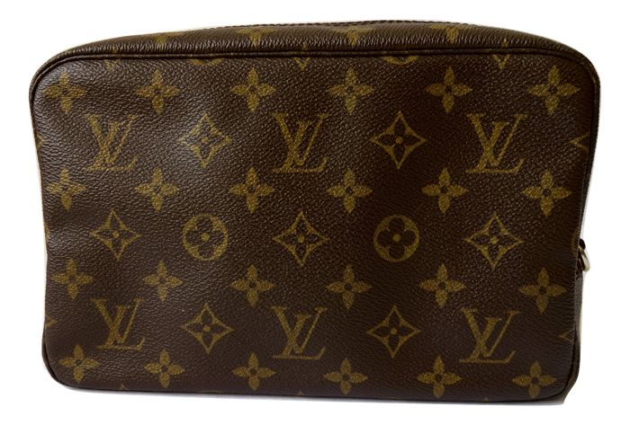 Louis Vuitton - Trousse Toilette 30 - Monogram Canvas pochette cosmétique 07a0027241f