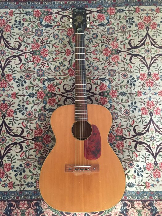 Vintage HARMONY H162 guitar from 1968 - made in U.S.A.