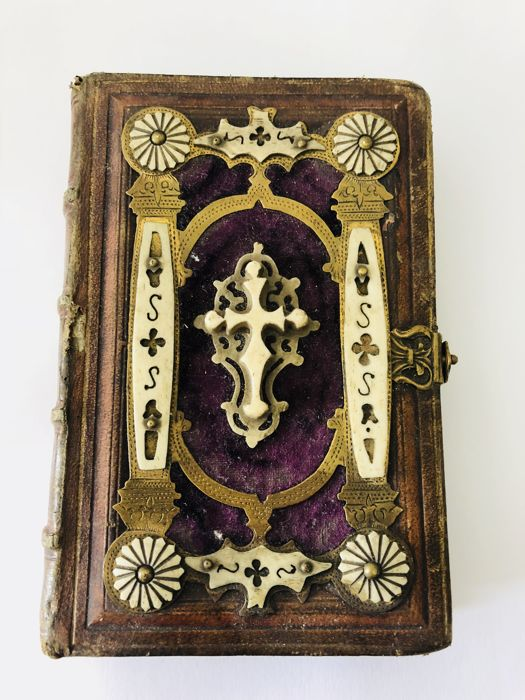 Antique prayer book with real horn inlay from 1871, from a Prague collection