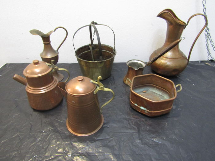 Lot of seven exhibition objects in copper - 19th and 20th centuries - Italy (7)