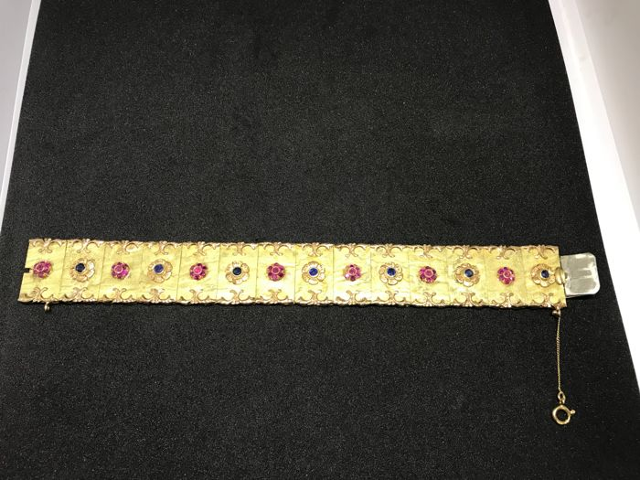 18 kt yellow gold bracelet with rubies and sapphires