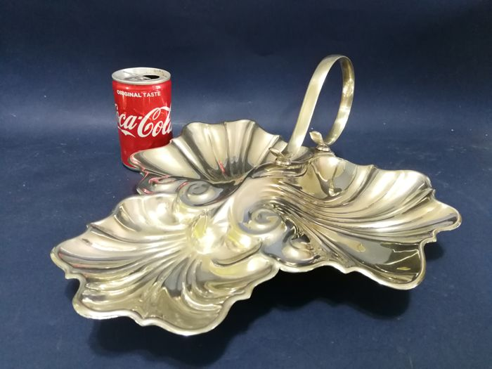 Antique English silver-plated shell-shaped appetisers dish and handle