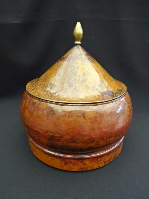 Pakistani copper jar. Numbered and hand-hammered - Pakistan - early 1900
