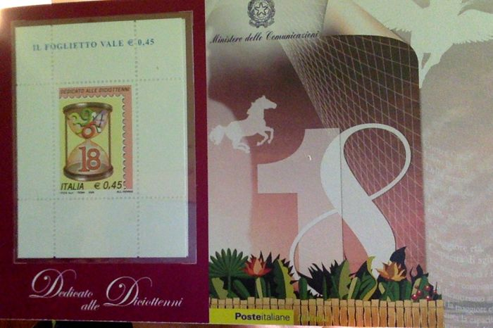 Italy, Republic 2006 - Complete '18 years old' pink mini sheet - Sass.  No  44