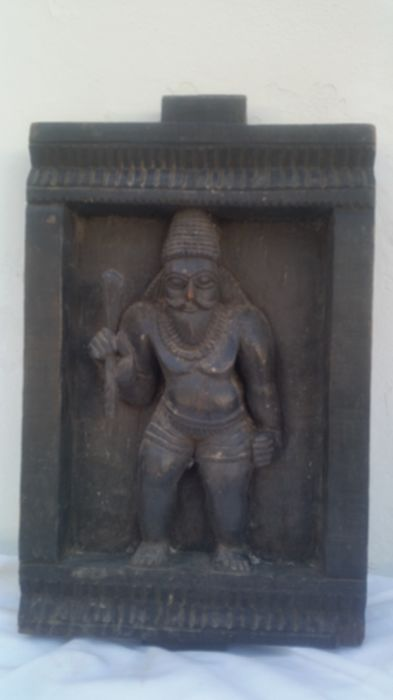 Wooden coffee table sculpted in bas-relief Tamil Nadu - India - second half of 20th century