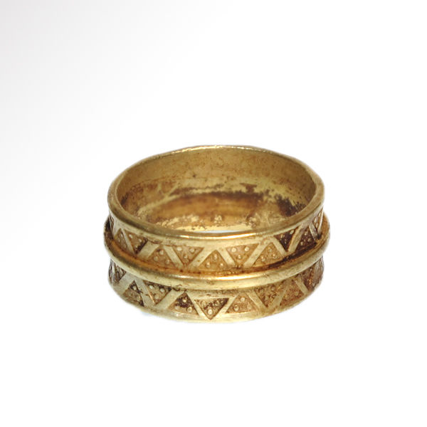 Viking Gold Ring with Punched Decoration, 2 cm inside D / 12.2 grams